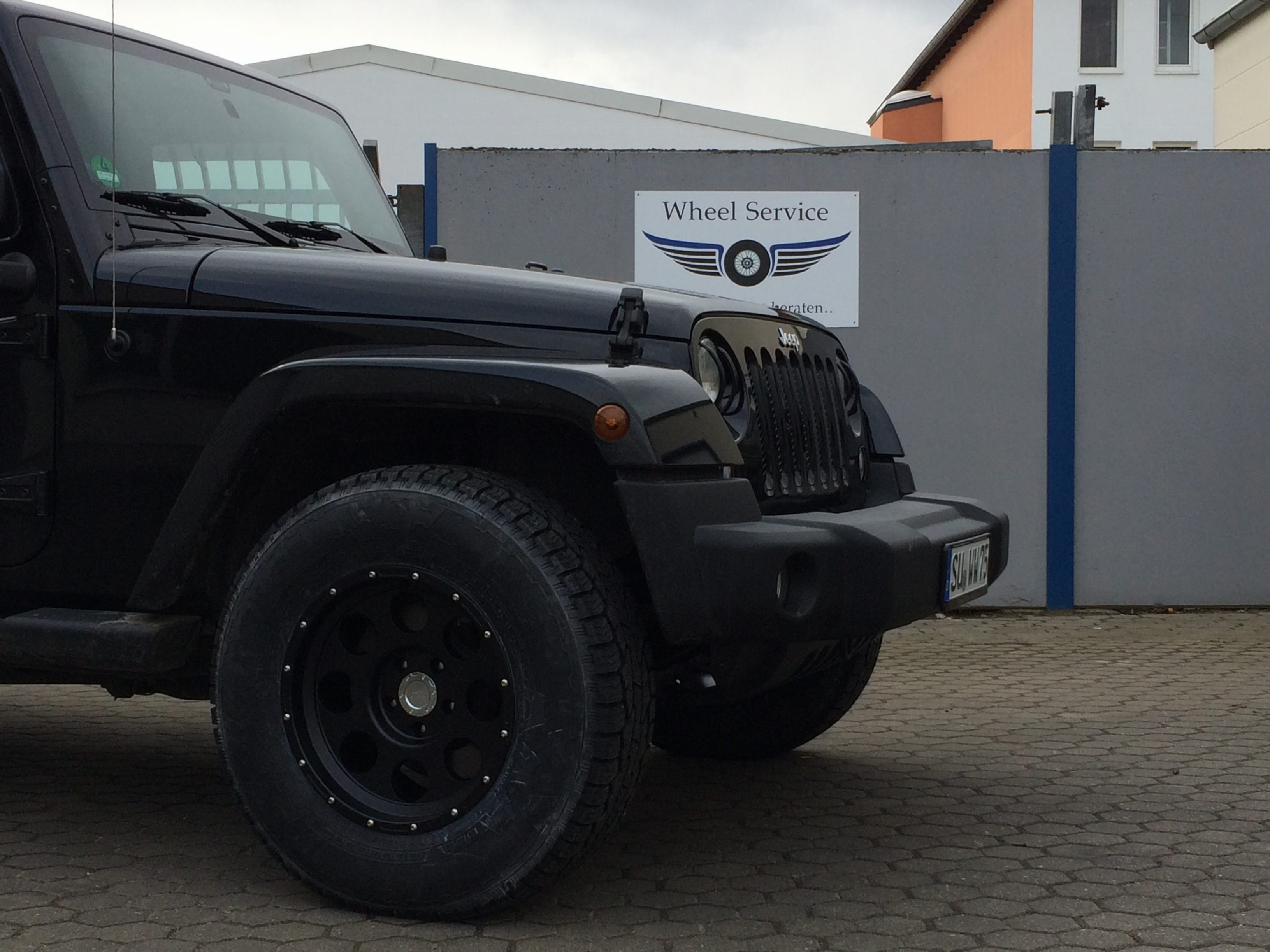 9x17 ET 16 Duratrail on Jeep Wrangler